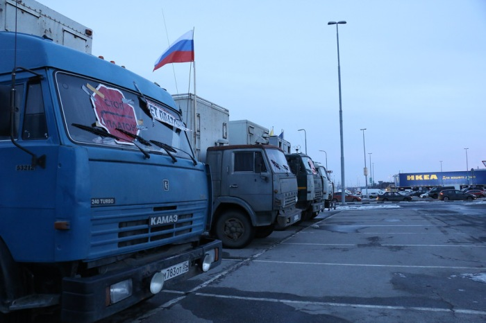 Striking truckers' camp in Tyoply Stan, Moscow. Photo by and courtesy of anatrra