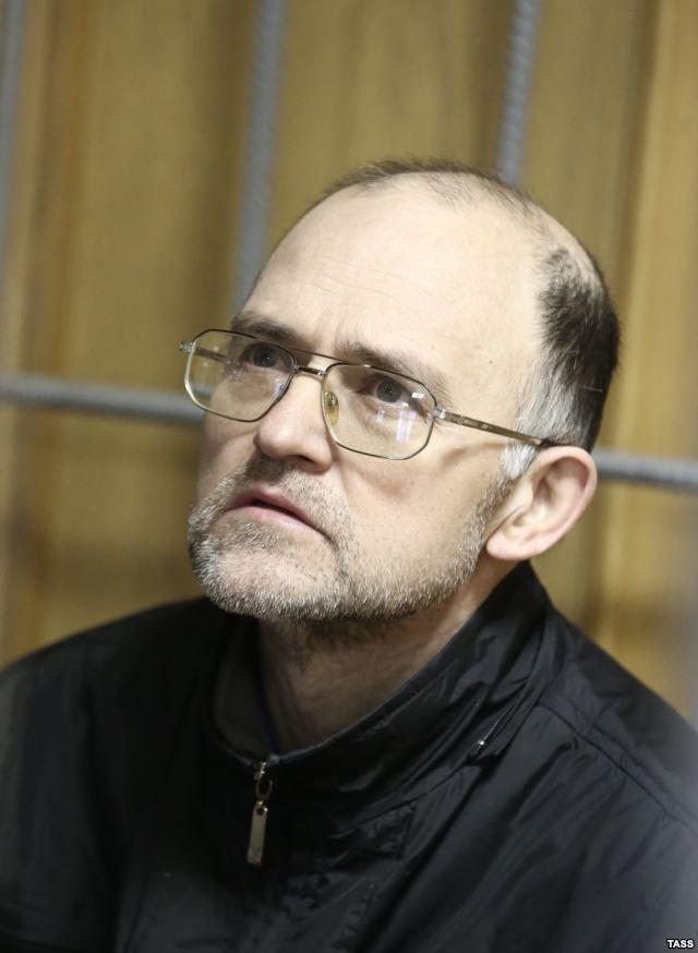 Sergei Krivov during a hunger strike, Nikulinsky District Court, Moscow, November 2013. Photo courtesy of TASS and Radio Svoboda