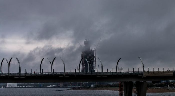 Vadim F. Lurie, Lahta Center (under construction) seen through the Western High-Speed Diameter (ZSD) highway, Petersburg, September 30, 2016. Photo courtesy of the photographer