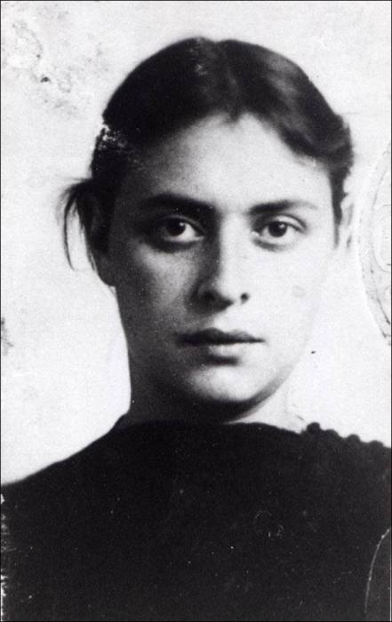 Susanna Pechuro, circa 1950-1951, before her arrest. Photo courtesy of Wikipedia