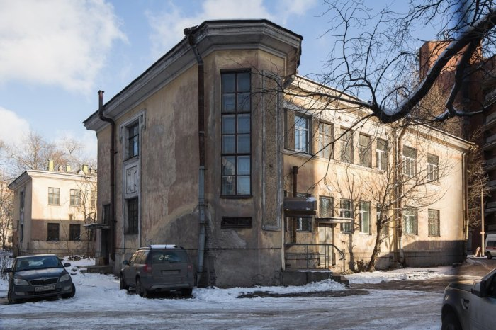 Part of the old facilities at the Botkin Infectious Diseases Hospital in Petersburg. Photo courtesy of Dima Tsyrencshikov/The Village