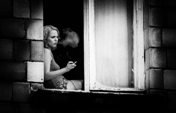 vadim f. lurie-girl smoking in windowsill (01.07.17)