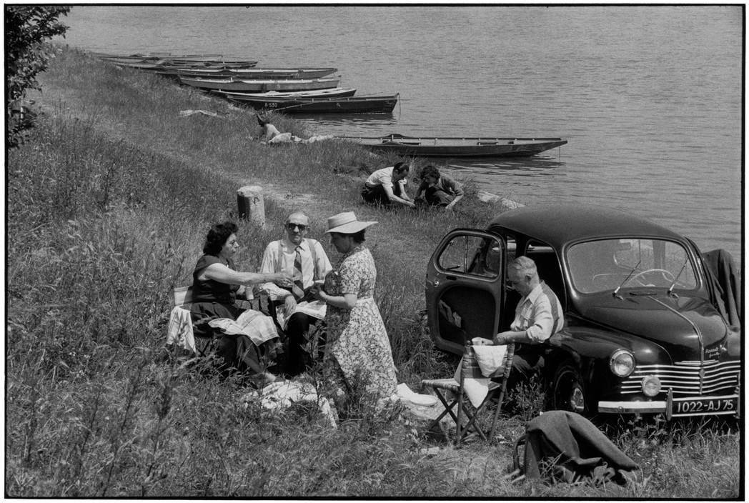 FRANCE. Essonne. Near Juvisy-sur-Orge. 1955.