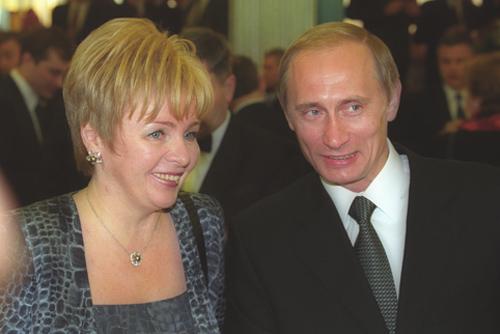 Vladimir_Putin_with_Lyudmila_Putin-1